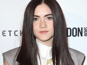 Actress Isabelle Fuhrman contact details